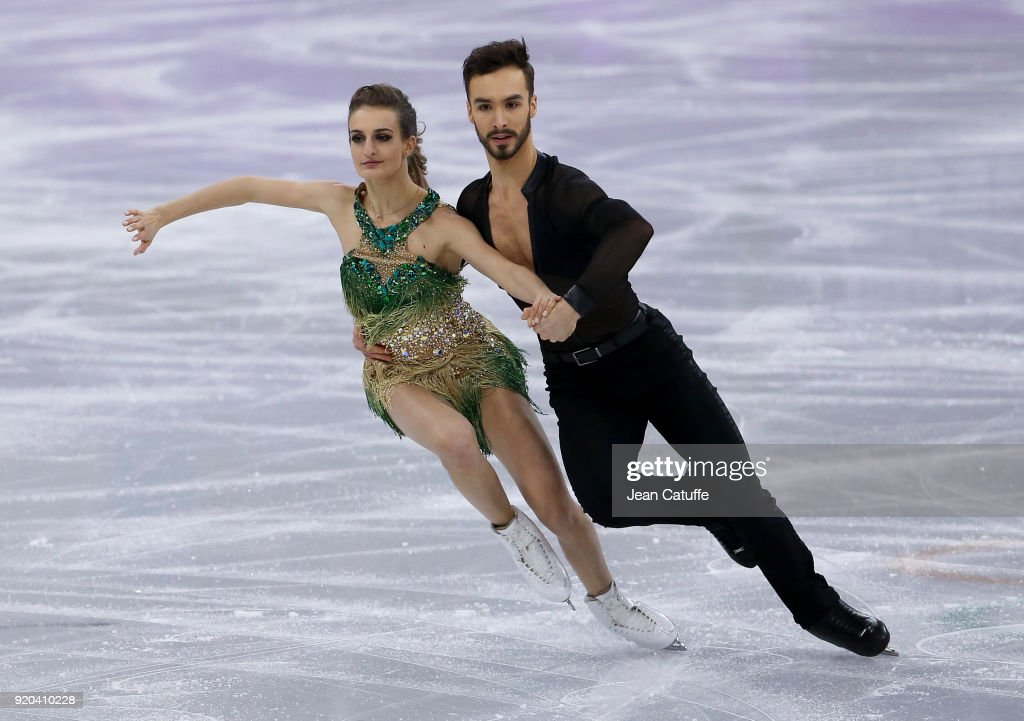https://media.gettyimages.com/photos/gabriella-papadakis-and-guillaume-cizeron-of-france-during-the-figure-picture-id920410228