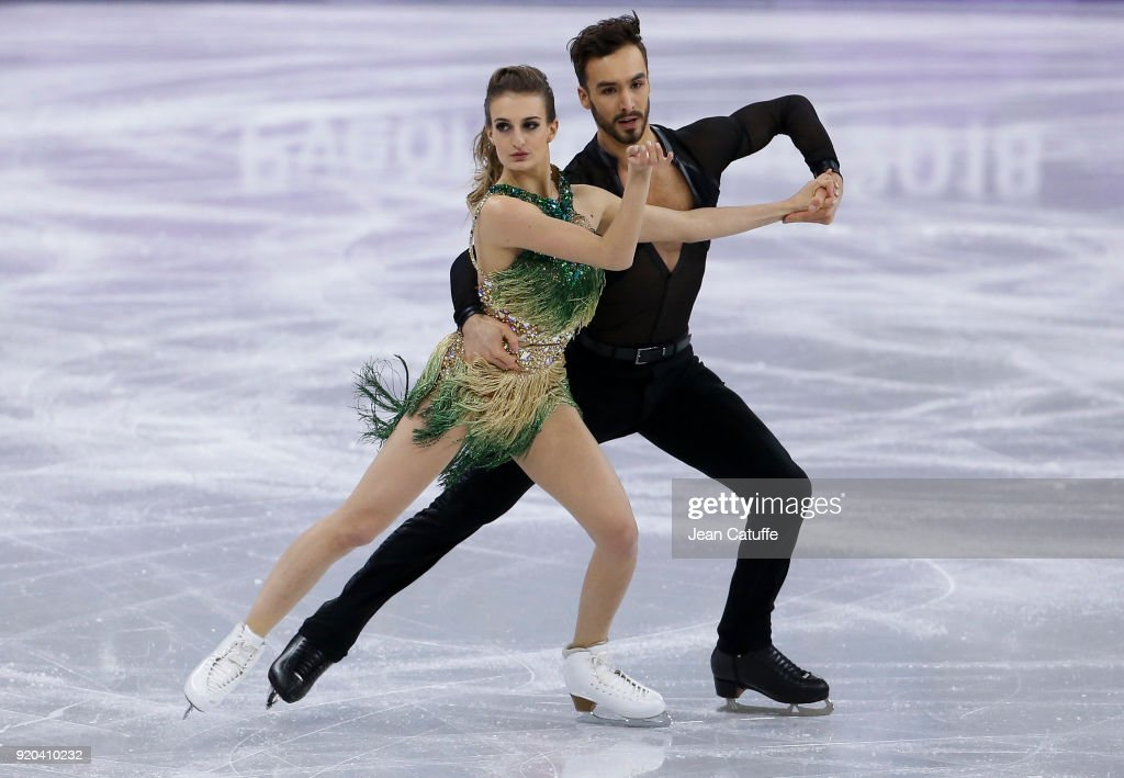 https://media.gettyimages.com/photos/gabriella-papadakis-and-guillaume-cizeron-of-france-during-the-figure-picture-id920410232