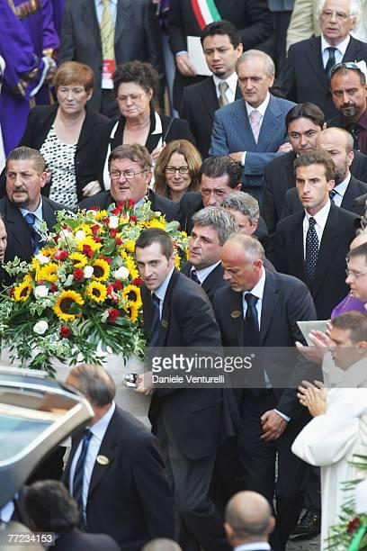 Gabriella Pavarotti Edwin Tinoco Gianni Mantovani and Nicoletta Mantovani Pavarotti attend Luciano Pavarotti's funeral held in Modena's Duomo on...