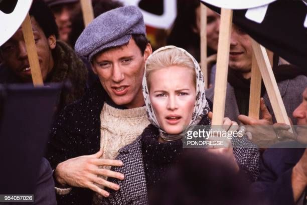Gabrielle Lazure et James Woods lors du tournage du film 'Joshua then and now' en octobre 1984 au Canada