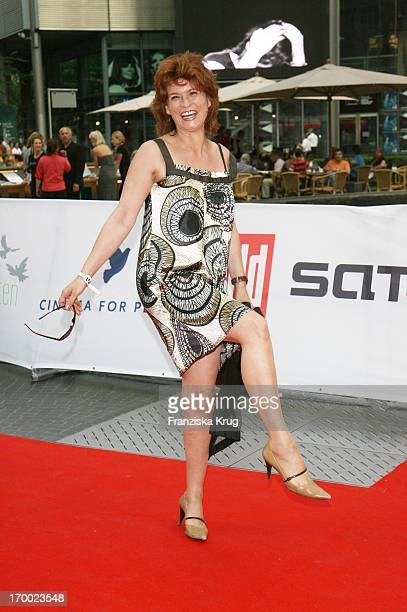 Gabrielle Scharnitzky at The Premiere Of Sat1 film Breakfast With A Stranger in Berlin Cinestar