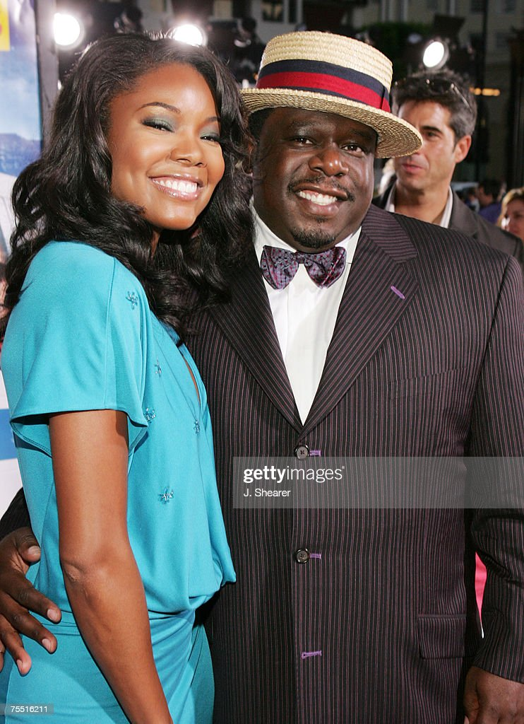 Gabrielle Union and Cedric the Entertainer at the Grauman's Chinese Theater in Hollywood, California