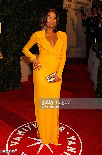 Gabrielle Union attends the 2010 Vanity Fair Oscar Party hosted by Graydon Carter at the Sunset Tower Hotel on March 7 2010 in West Hollywood...
