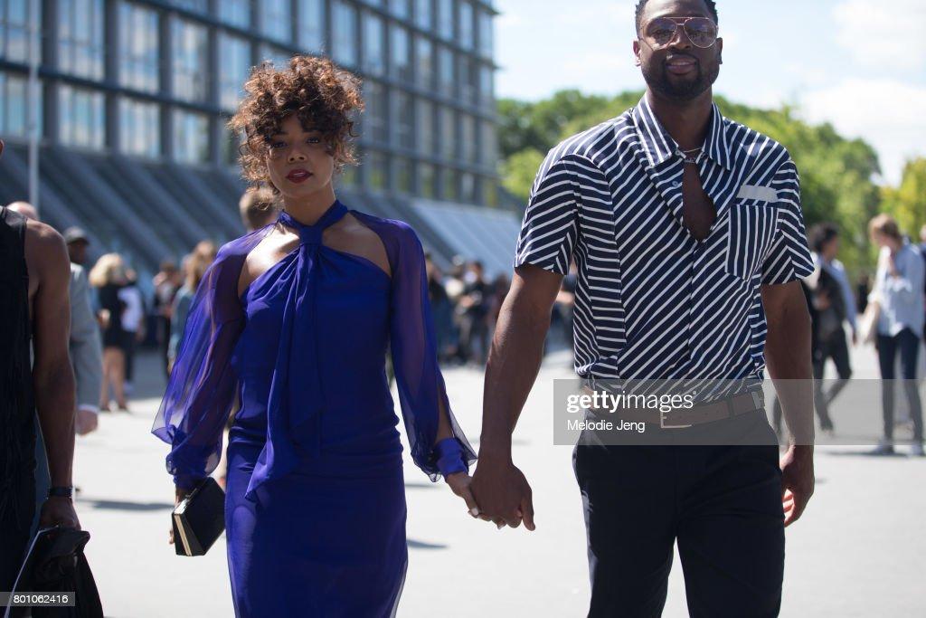 Street Style - Paris Fashion Week - Menswear Spring/Summer 2018 : Day Five : News Photo