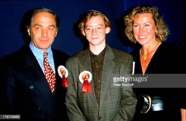 Gaby Dohm mit Ehemann Adalbert Plica und Sohn Julian Kind Familie Schauspielerin Promis Prominente Prominenter