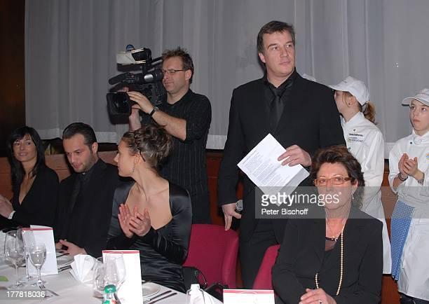 Gaby Marshall Sohn Marc Marshall Enkelin Mia Enkel Julius Schwiegertochter Annette Presse Kameramann †berraschungsGeburtstagsParty zum 70 Geburtstag...