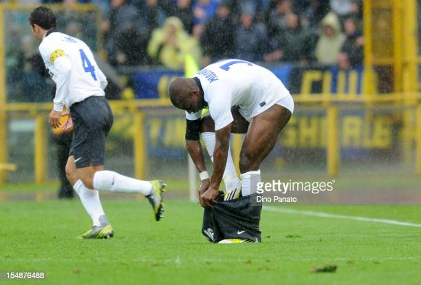 Gaby Mudingayi of Internazionale Milano puts on some shorts during the Serie A match between Bologna FC and FC Internazionale Milano at Stadio Renato...