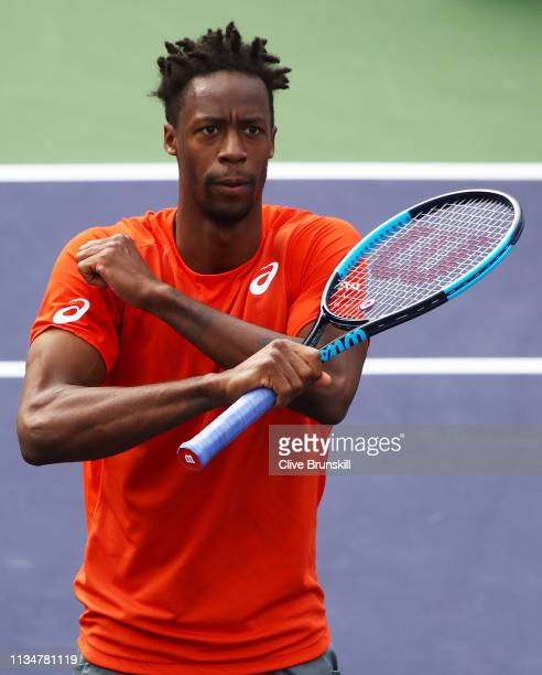Gael Monfils of France celebrates after his three set victory against Leonardo Mayer of Argentina during their men's singles second round match on...