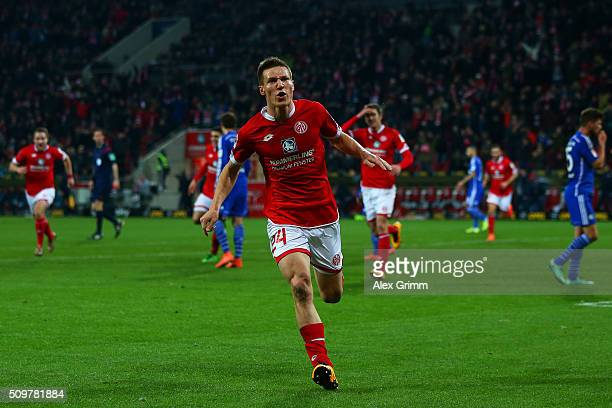 Gaetan Bussmann of 1 FSV Mainz 05 celebrates after scoring the opening goal during the Bundesliga match between 1 FSV Mainz 05 and FC Schalke 04 at...