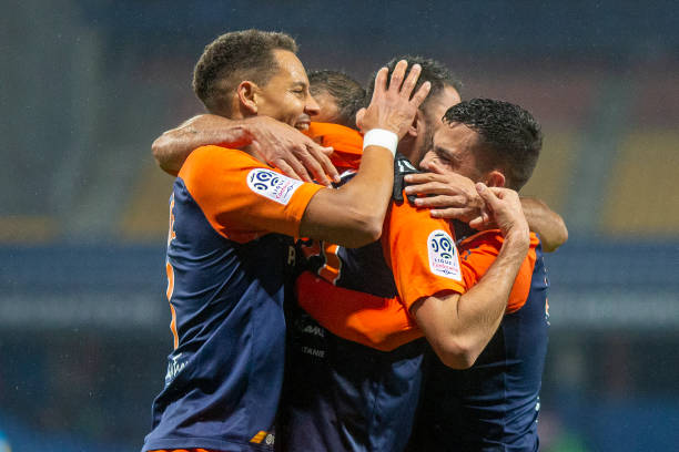 MHSC -EQUIPE DE MONTPELLIER -LIGUE1- 2019-2020 - Page 3 Gaetan-laborde-of-montpellier-is-congratulated-by-teji-savanier-of-picture-id1191136800?k=6&m=1191136800&s=612x612&w=0&h=F3XlggEdZmhGWXp3pCMcxyLMCZEcwLJ17hlGh72sqVs=