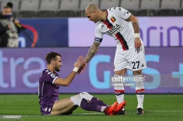 Gaetano Castrovilli of ACF Fiorentina and Stefano Sturaro of Genoa CFC during the Serie A match between ACF Fiorentina and Genoa CFC at Stadio...