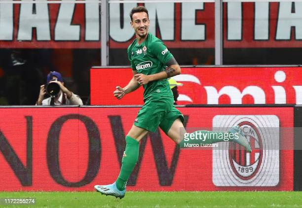 Gaetano Castrovilli of ACF Fiorentina celebrates his goal during the Serie A match between AC Milan and ACF Fiorentina at Stadio Giuseppe Meazza on...