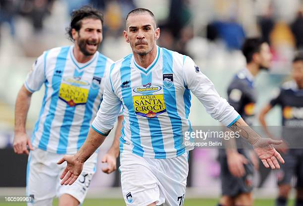 Gaetano D'Agostino of Pescara celebrates after scoring the goal 2-1 during the Serie A match between Pescara and Bologna FC at Adriatico Stadium on...