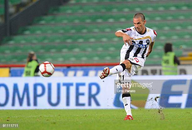 Gaetano D'Agostino of Udinese Calcio in action during the serie A match between Udinese Calcio and AC Milan at Stadio Friuli on September 23 2009 in...