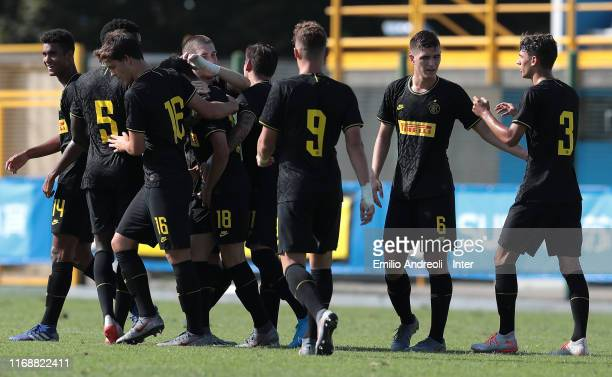 Gaetano Pio Oristanio of FC Internazionale celebrates his goal with his teammates during the UEFA Youth League match between FC Internazionale U19...
