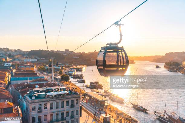 gaia cable car in porto, portugal - portugal stock pictures, royalty-free photos & images