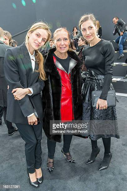 Gaia Repossi Danielle Steel and her daughter Samantha attends the Chanel Fall/Winter 2013 ReadytoWear show as part of Paris Fashion Week at Grand...