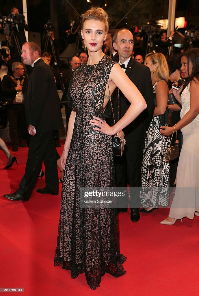 """""""Hands Of Stone"""" - Red Carpet Arrivals - The 69th Annual Cannes Film Festival"""
