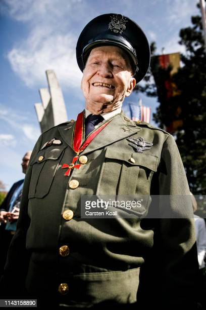 Gail Halvorsen a former pilot of the United States Air Force who flew in the Berlin Airlift poses for a photo as he arrives to the celebration...