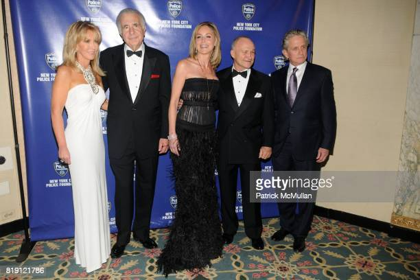 Gail Icahn Carl Icahn Sharon Stone Commissioner Raymond Kelly and Michael Douglas attend NEW YORK CITY POLICE FOUNDATION 32nd Annual Gala at...