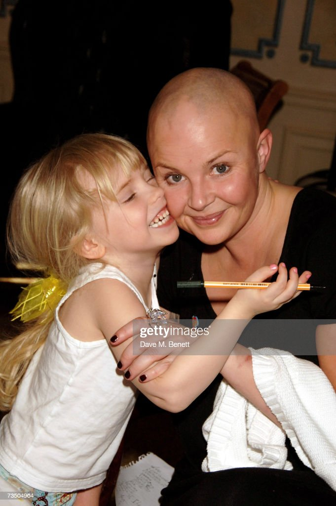 Gail Porter with her daughter Honey attend the DoorOne.co.uk Pamper Party hosted by Pearl and Daisy Lowe, at Claridges on March 6, 2007 in London, England.