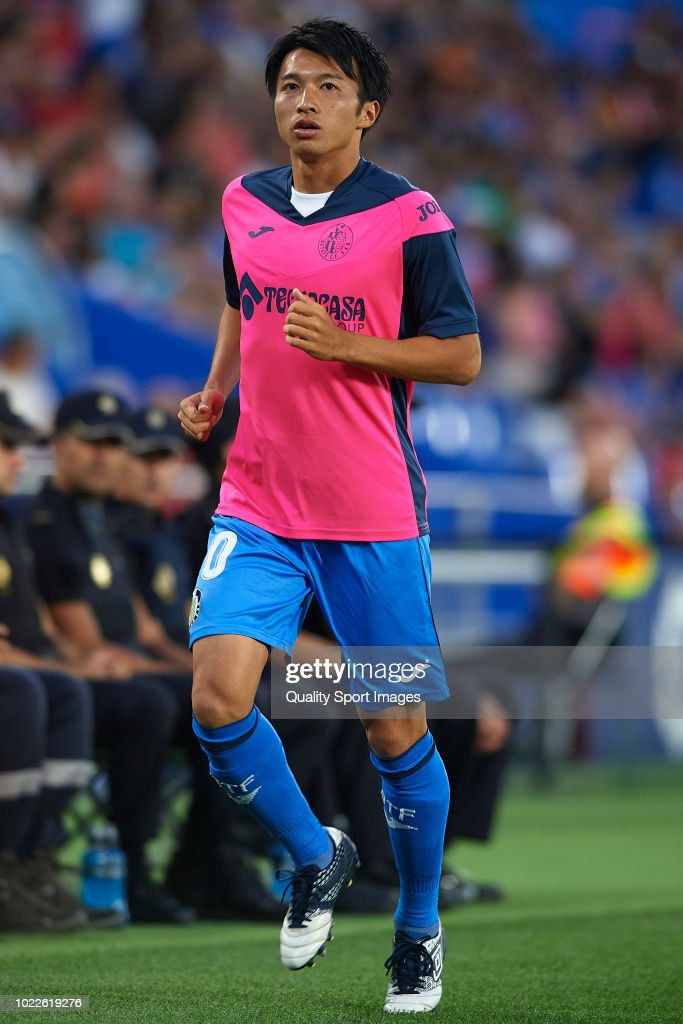 Gaku Shibasaki of Getafe CF warms up during the La Liga match between Getafe CF and SD Eibar at Coliseum Alfonso Perez on August 24, 2018 in Getafe, Spain.