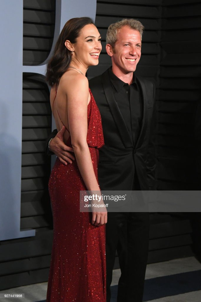 Gal Gadot and Yaron Varsano attend the 2018 Vanity Fair Oscar Party hosted by Radhika Jones at Wallis Annenberg Center for the Performing Arts on March 4, 2018 in Beverly Hills, California.