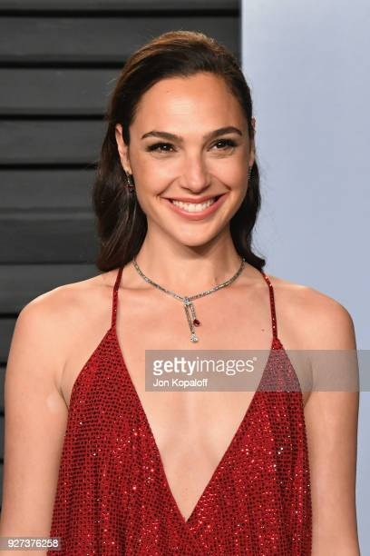 Gal Gadot attends the 2018 Vanity Fair Oscar Party hosted by Radhika Jones at Wallis Annenberg Center for the Performing Arts on March 4 2018 in...