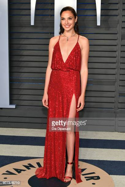 Gal Gadot attends the 2018 Vanity Fair Oscar Party hosted by Radhika Jones at Wallis Annenberg Center for the Performing Arts on March 4, 2018 in...