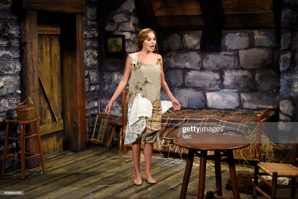LIVE -- 'Gal Gadot' Episode 1727 -- Pictured: Gal Gadot as the princess during 'The Princess & The Mice' in Studio 8H on October 7, 2017 --