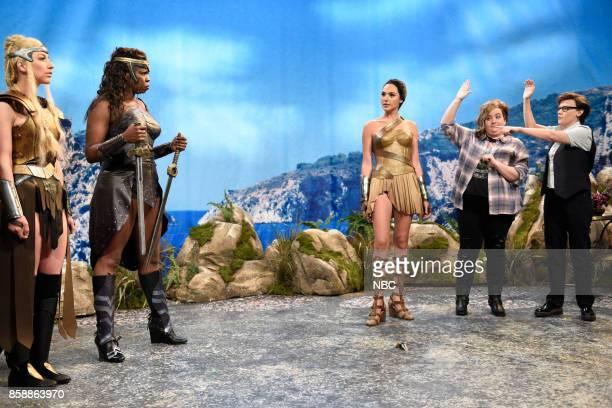 "Gal Gadot"" Episode 1727 -- Pictured: Heidi Gardner, Leslie Jones, Gal Gadot as Diana, Aidy Bryant, Kate McKinnon during ""Themyscira"" in Studio 8H on..."