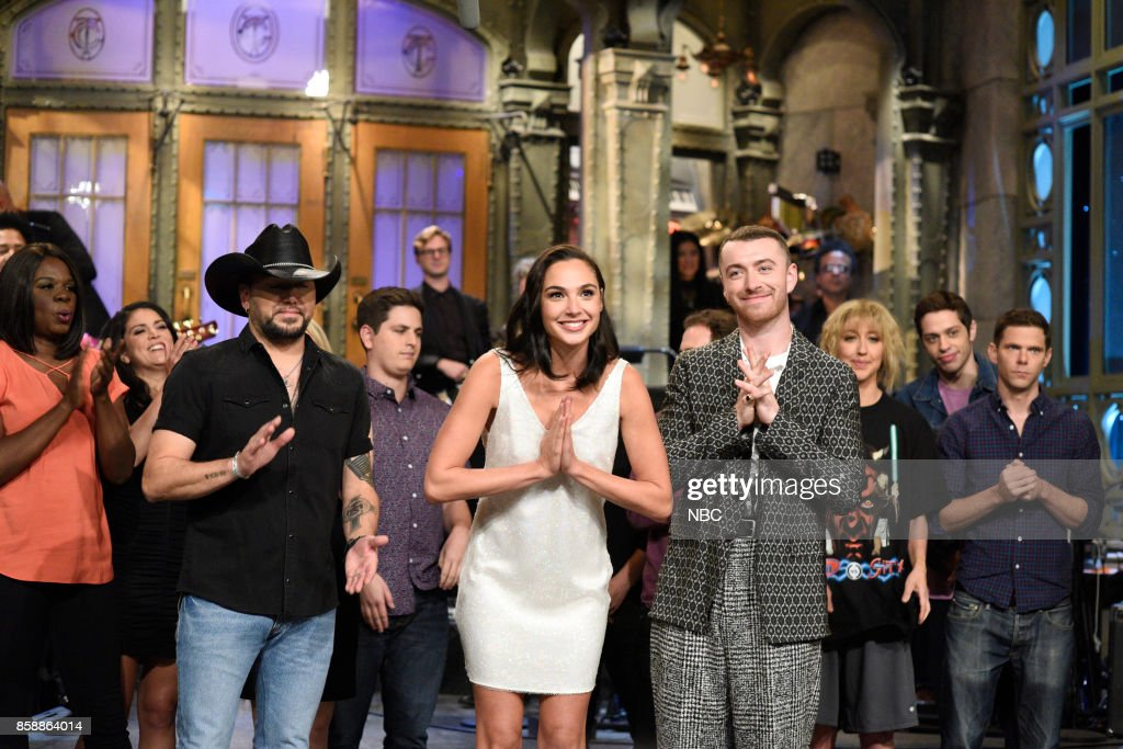 LIVE -- 'Gal Gadot' Episode 1727 -- Pictured: (l-r) Jason Aldean, Gal Gadot, Sam Smith during 'Goodnights & Credits' in Studio 8H on October 7, 2017 --