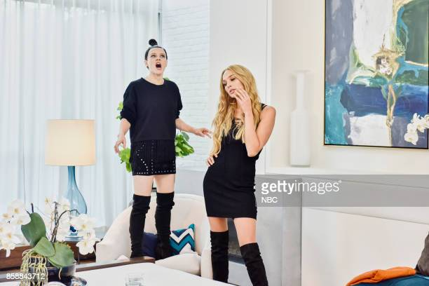 LIVE Gal Gadot Episode 1727 Pictured Kate McKinnon as Bella Hadid Gal Gadot as Gigi Hadid during ENews