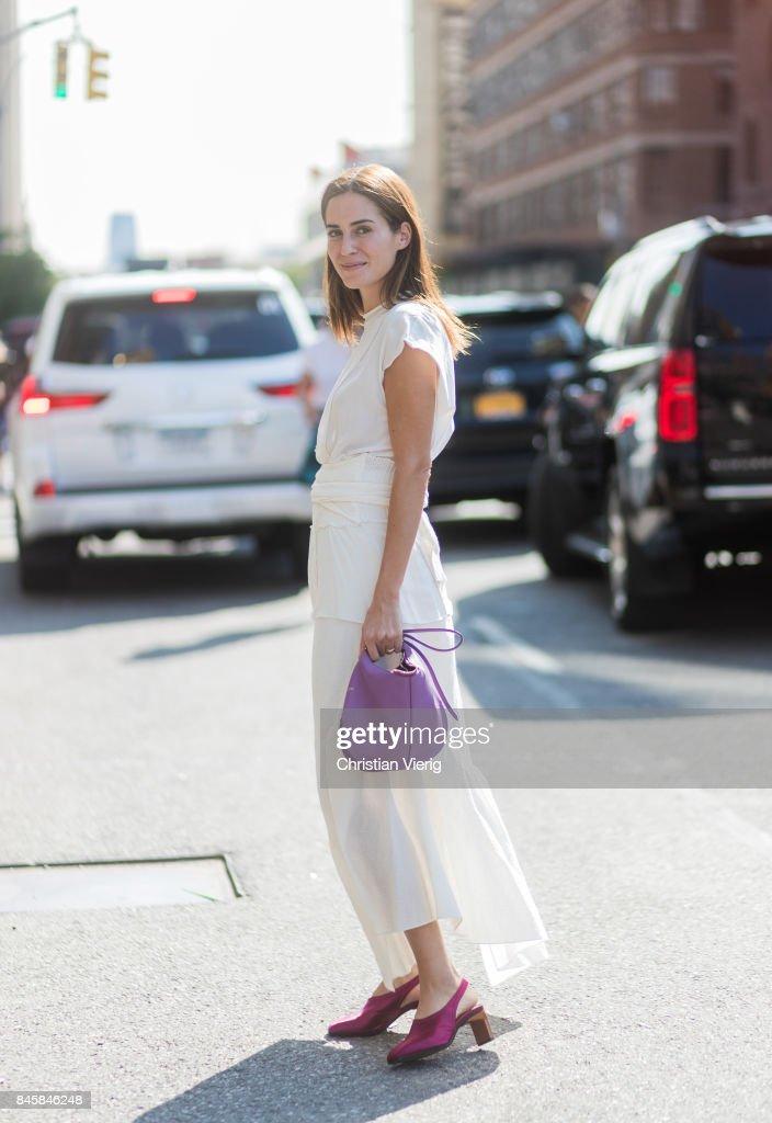 New York Fashion Week - Street Style - Day 5 : News Photo