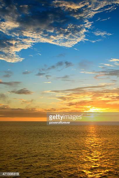 sunrise de galápagos - parque nacional galápagos fotografías e imágenes de stock