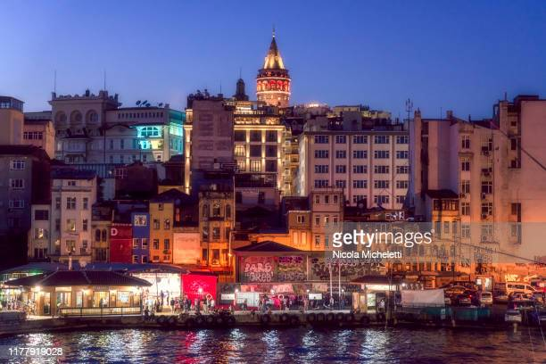 galata quartier with the galata tower - turchia stock photos and pictures