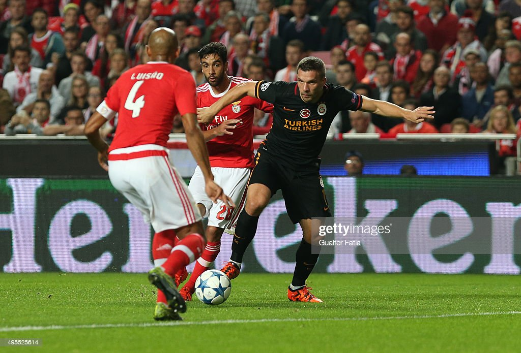 SL Benfica v Galatasaray AS - UEFA Champions League : News Photo