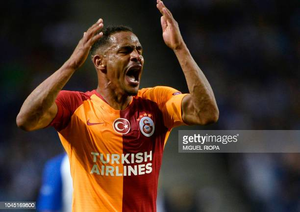 Galatasaray's Brazilian midfielder Fernando Reges during the UEFA Champions League group D football match between FC Porto and Galatasaray SK at the...