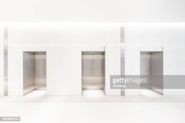 galaxy soho - elevador imagens e fotografias de stock