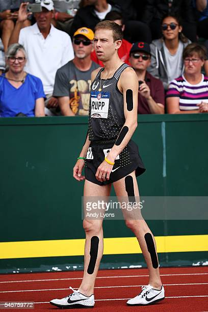 Galen Rupp prepares to competes in the Men's 5000 Meter Final during the 2016 US Olympic Track Field Team Trials at Hayward Field on July 9 2016 in...