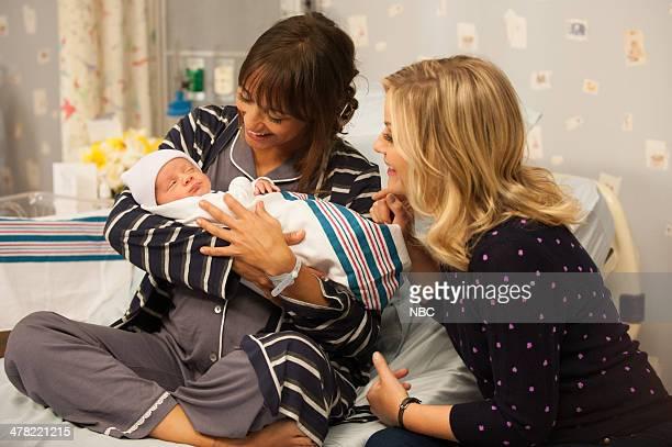 RECREATION Galentine's Day Episode 617 Pictured Rashida Jones as Ann Perkins Amy Poehler as Leslie Knope
