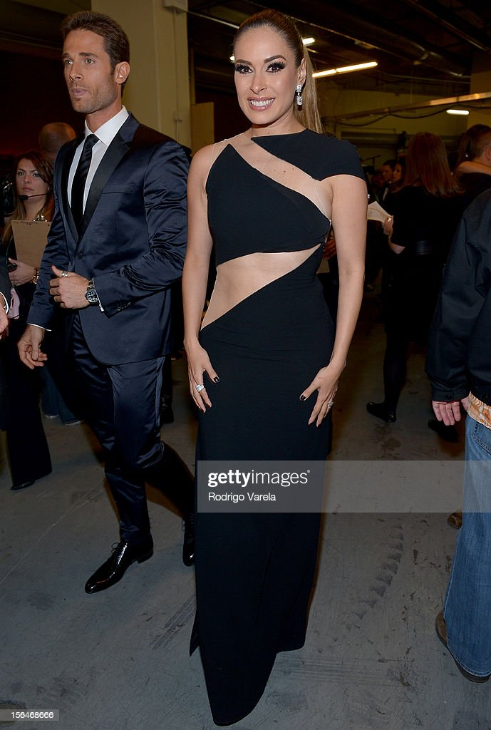 Galilea Montijo (R) and Sebastian Rulli attends the 13th annual Latin GRAMMY Awards held at the Mandalay Bay Events Center on November 15, 2012 in Las Vegas, Nevada.