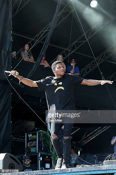 Gallant performs in concert during the Austin City Limits Music Festival at Zilker Park on October 9 2016 in Austin Texas