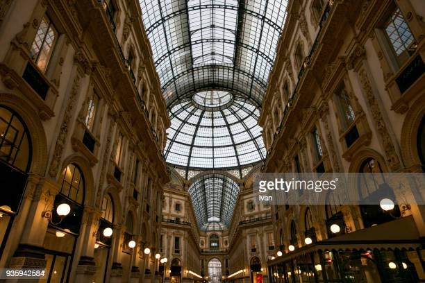 galleria vittorio emanuele ii dome and buildings - fashion week photos et images de collection