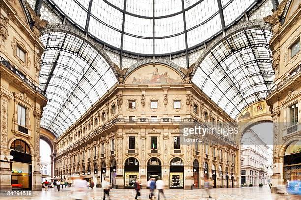 galleria vittorio emanuele ii en milán, italia - milan fotografías e imágenes de stock