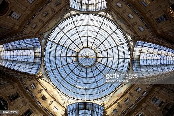galleria vittorio emanuele ii - simetria - fotografias e filmes do acervo