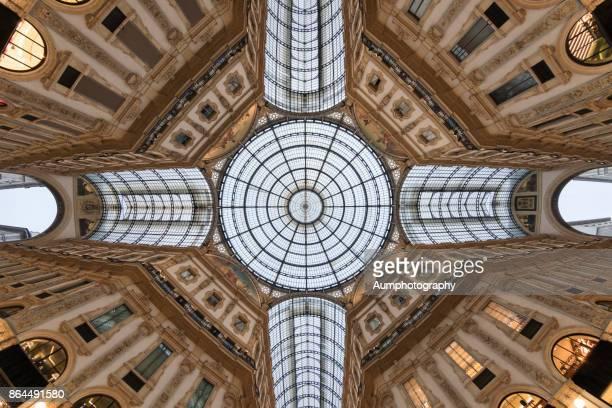 galleria vittorio emanuele ii - cattedrale foto e immagini stock