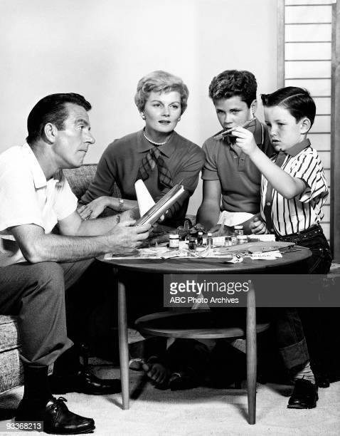 BEAVER Gallery 19571963 Hugh Beaumont Barbara Billingsley Tony Dow Jerry Mathers