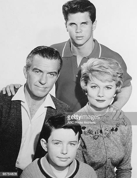 BEAVER Gallery 19571963 Hugh Beaumont Jerry Mathers Tony Dow Barbara Billingsley