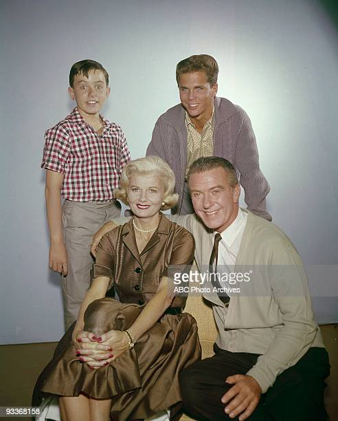 BEAVER Gallery 19571963 Jerry Mathers Barbara Billingsley Tony Dow Hugh Beaumont